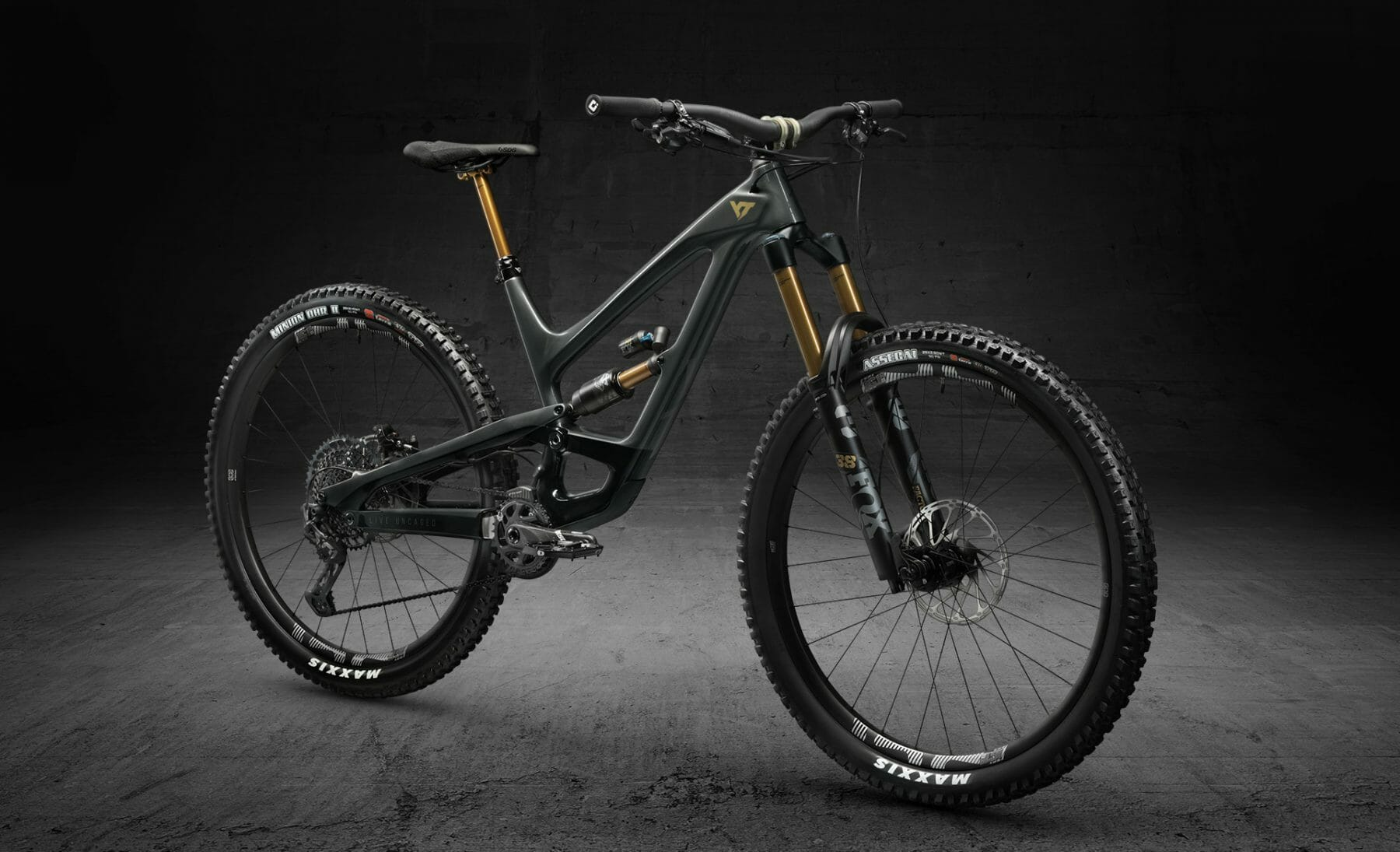 YT Industries CAPRA & DECOY Elite: Ready for take-off