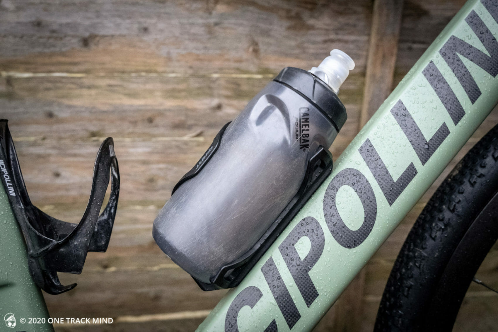 Giant Airway Dual Side Bottle Cage Review