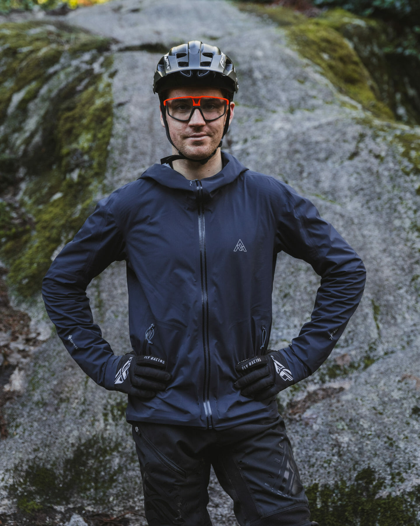 7mesh Cycling Apparel partners with Rémy Métailler