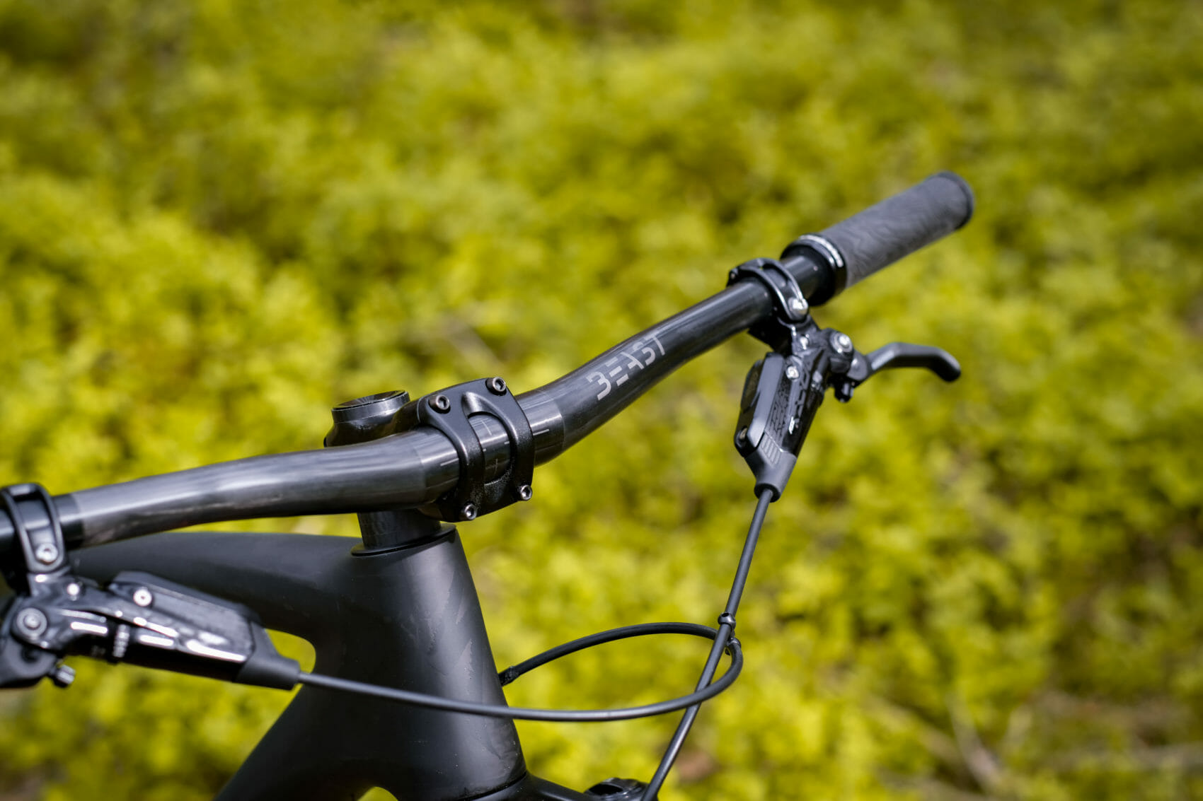Beast Components Launch New Carbon Handlebars